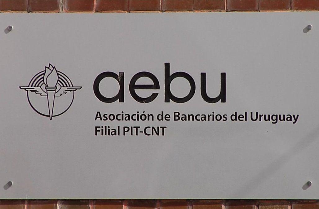 Gremio bancario realiza paro de 24 horas en el BROU