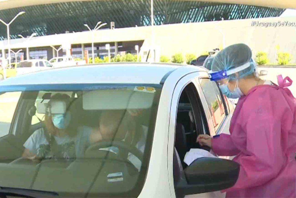 Comenzó a funcionar el vacunatorio del Aeropuerto de Carrasco