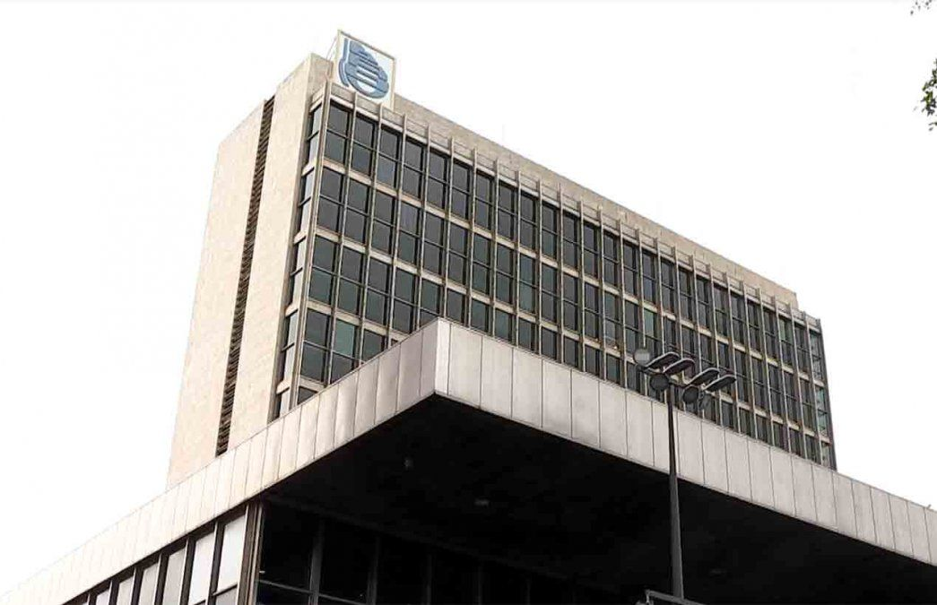 Paro en el BROU afecta atención presencial y transferencias a otros bancos