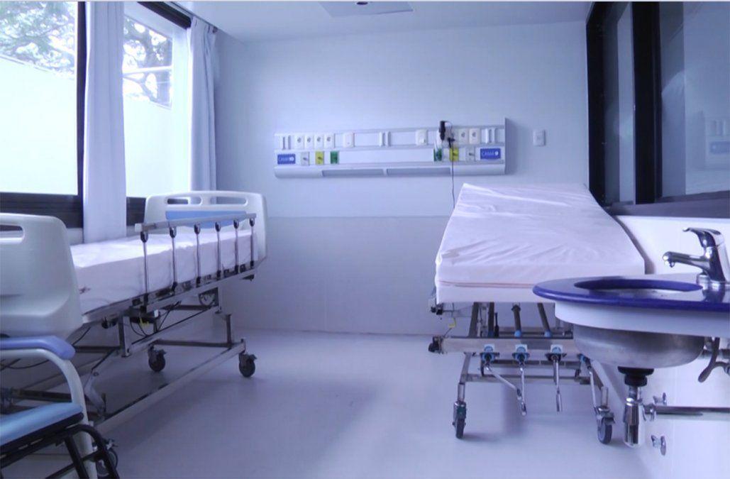 Leonardo Cipriani aseguró que hay 933 camas de CTI operativas y todas con recursos humanos