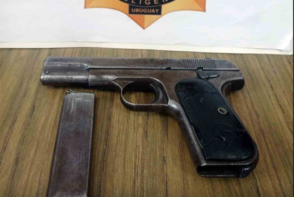 Interpol incautó 214 armas ilegales en Uruguay en 20 días