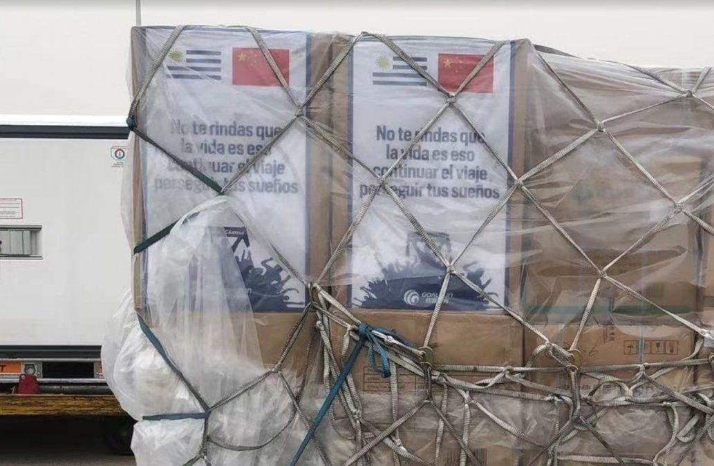 Aumentan los envíos de Pfizer y el 11 de mayo llegan 1.550.000 dosis de Sinovac