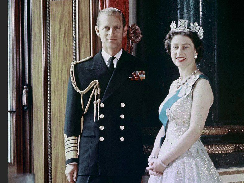 A punto de cumplir 100 años, murió Felipe de Edimburgo, esposo de la reina Isabel II