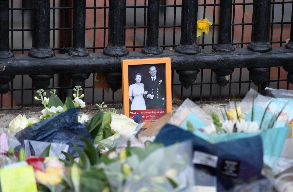 Retorno de Enrique a Londres alienta idea de reconciliación