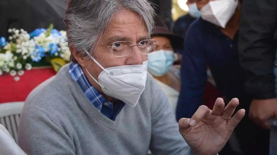 Lacalle Pou felicitó a Guillermo Lasso por su triunfo en el balotaje de Ecuador