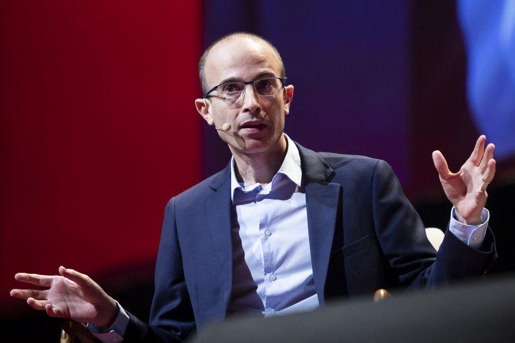 Yuval Noah Harari: pandemia ha sido prueba para sistemas políticos y muchas naciones han reprobado