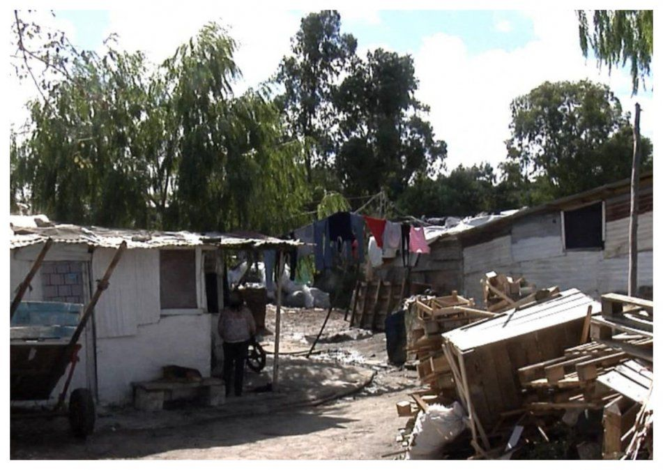 Cabildo Abierto votará proyecto del FA  para suspender desalojos en asentamientos durante la pandemia