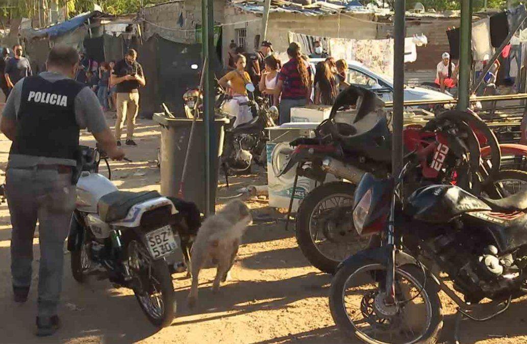 Desmantelan enorme desarmadero de motos en Nuevo París: hay dos detenidos