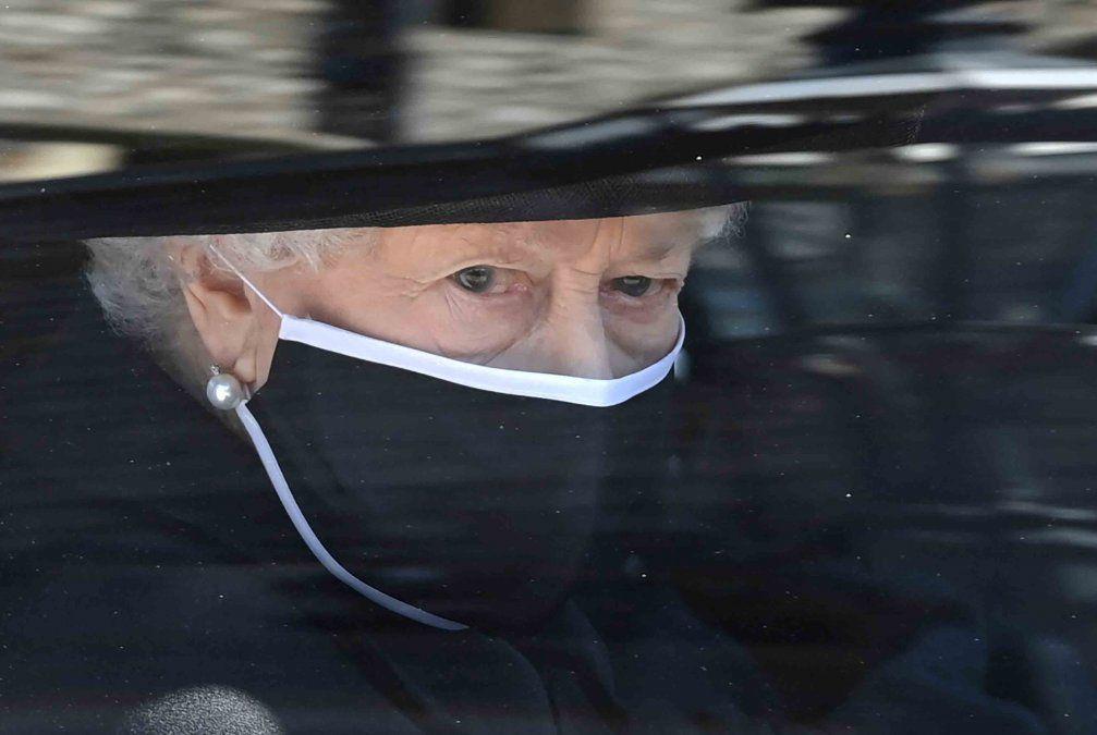 De duelo por la muerte de su esposo, la  reina Isabel II cumple 95 años
