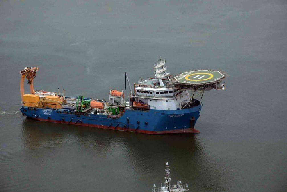 Intensa búsqueda para hallar un submarino indonesio con 53 personas a bordo