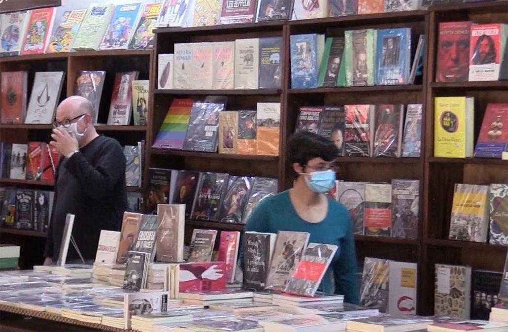 Venta de libros cayó 20% en pandemia; publicaciones sobre cocina son las preferidas