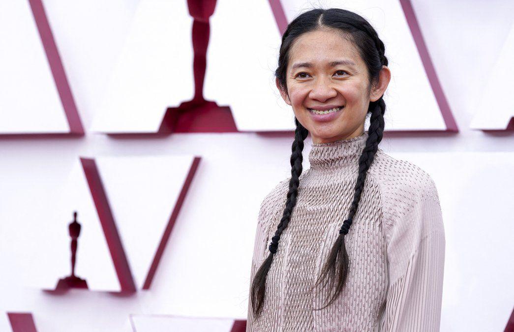 Zhao se convierte en la segunda mujer condecorada con un Óscar a mejor dirección