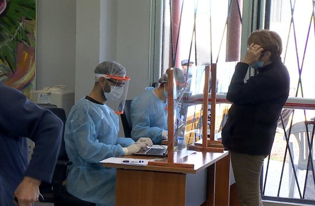 IM habilitó nuevo vacunatorio en Paso de la Arena, para mayores de 70 años