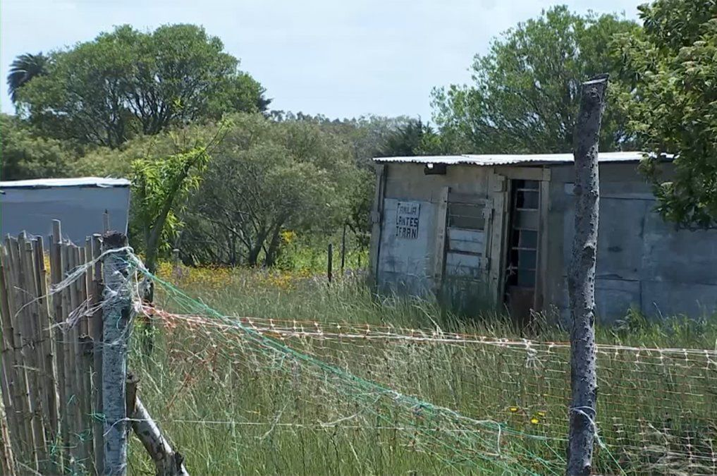 Apelaciones confirmó sentencia que obliga al Estado a dar vivienda a familia de asentamiento