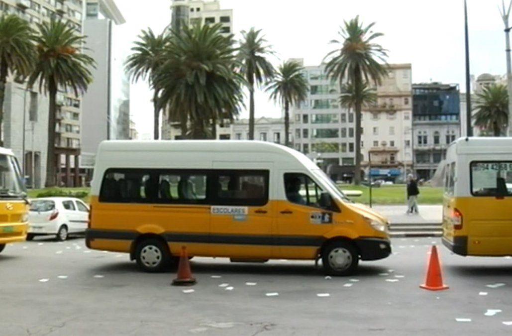 Transportistas de escolares se movilizan y reclaman medidas concretas