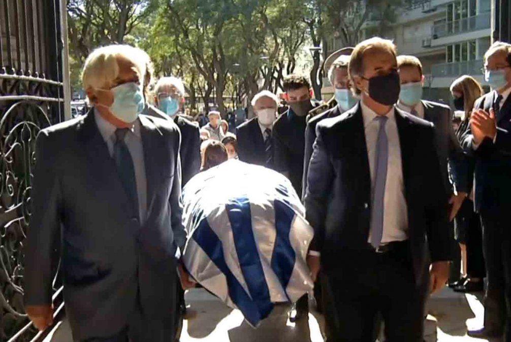 Lacalle Pou en el sepelio de Gonzalo Aguirre: Hasta sus últimos días hizo militancia intelectual