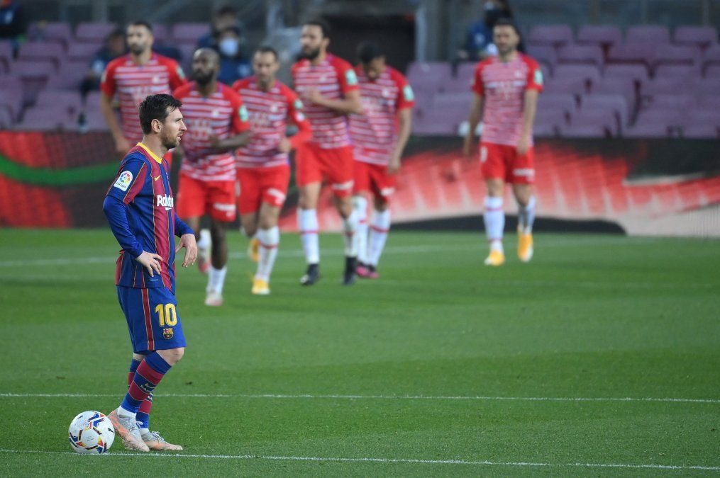 Granada le gana en gran remontada al Barcelona y festeja Atlético Madrid que sigue líder