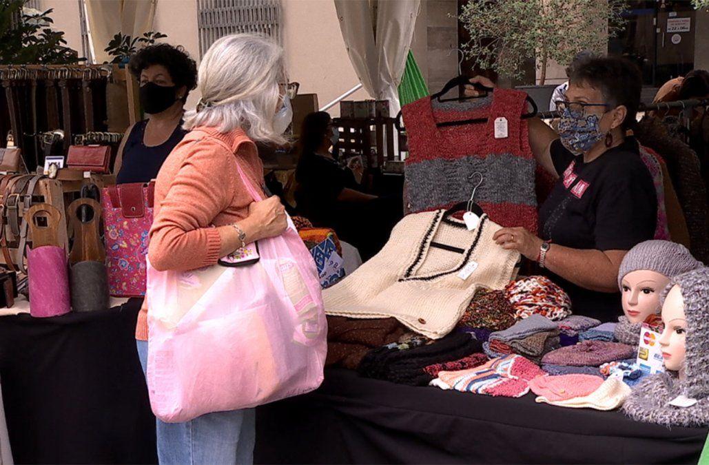 Feria de emprendedores en la Intendencia de Montevideo