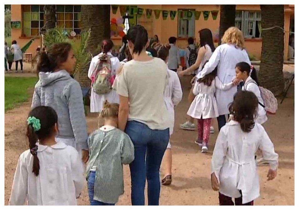 Gobierno proyecta clases con presencialidad plena en la educación a fines de junio