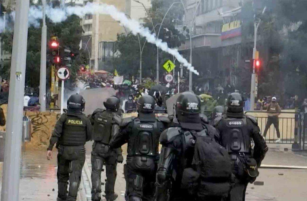 Siguen protestas en Colombia contra virus de la corrupción: ya hay 24 muertos