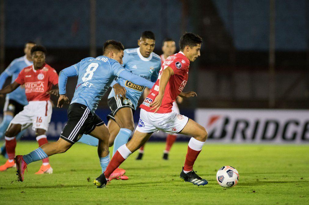 Rentistas empató 0 a 0 como local ante Sporting Cristal por Copa Libertadores