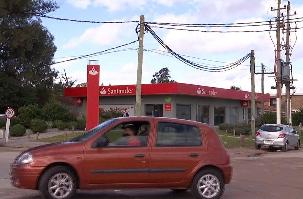 La Policía recuperó el auto usado para la rapiña a un banco de Lagomar