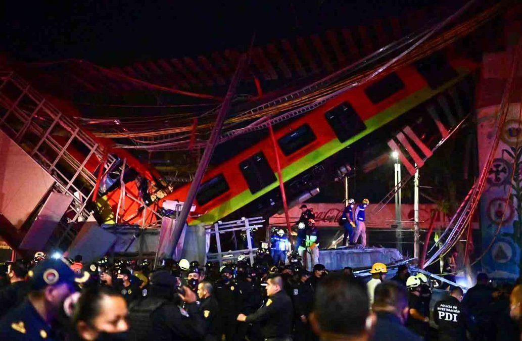Manifestantes reclaman justicia tras accidente de metro en México