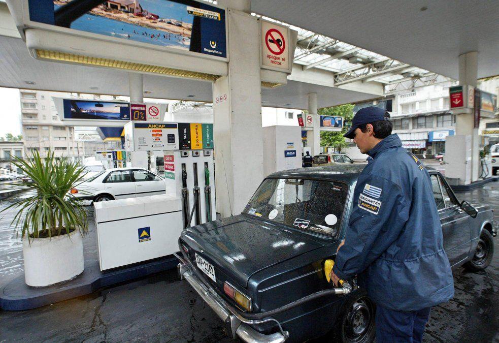 El gobierno decidió el viernes postergar para junio el aumento de las tarifas de combustible