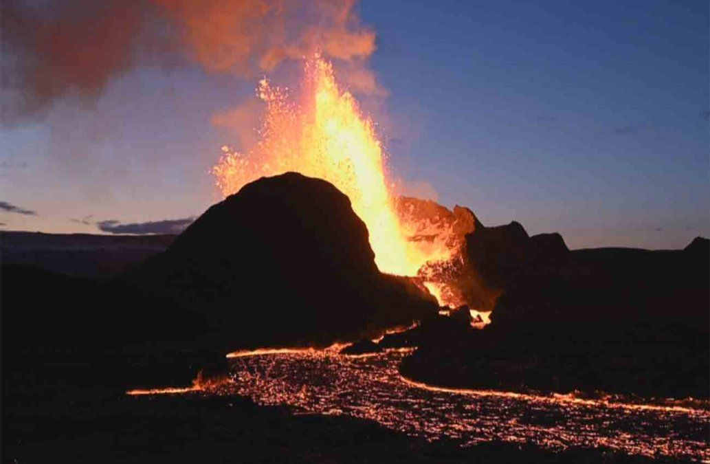 Espectaculares imágenes de la erupción volcánica en Islandia