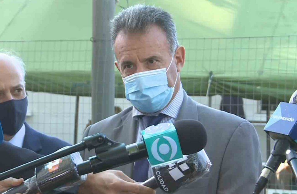 Daniel Salinas dijo que no está de acuerdo con vacunar a uruguayos que viven en Argentina