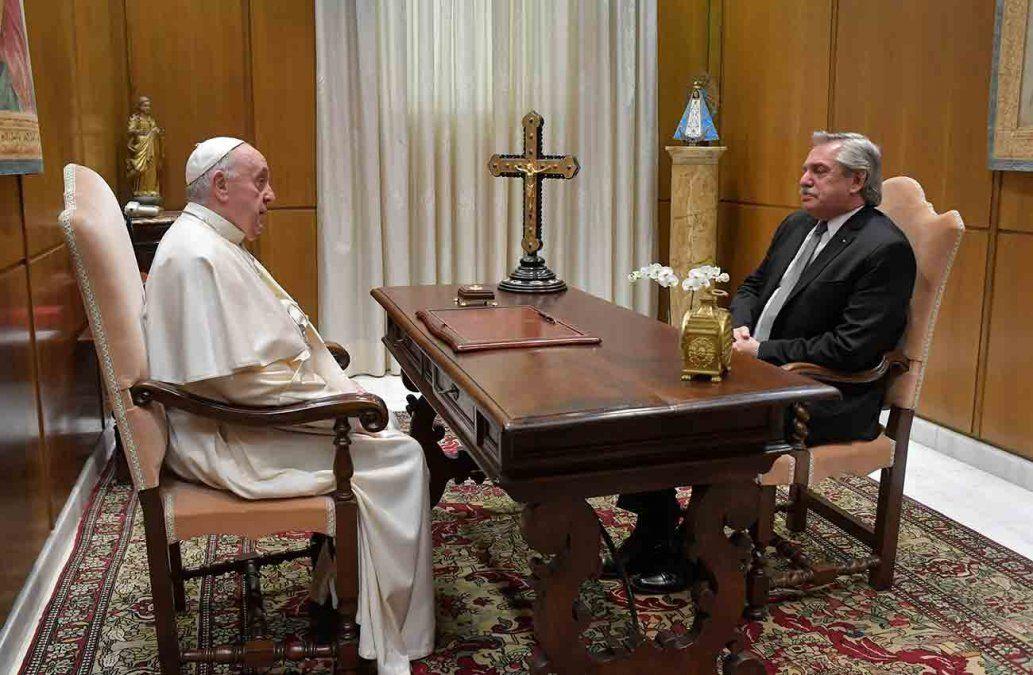 El papa recibió en el Vaticano al presidente argentino Alberto Fernández