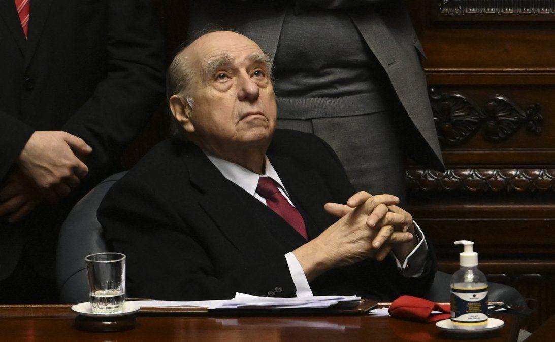 Sanguinetti considera campaña de firmas contra la LUC como un operativo desestabilizador