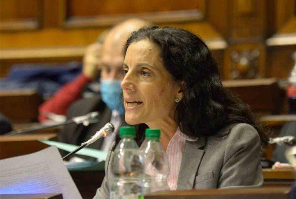 La ministra Arbeleche es interpelada por el caso Alfie