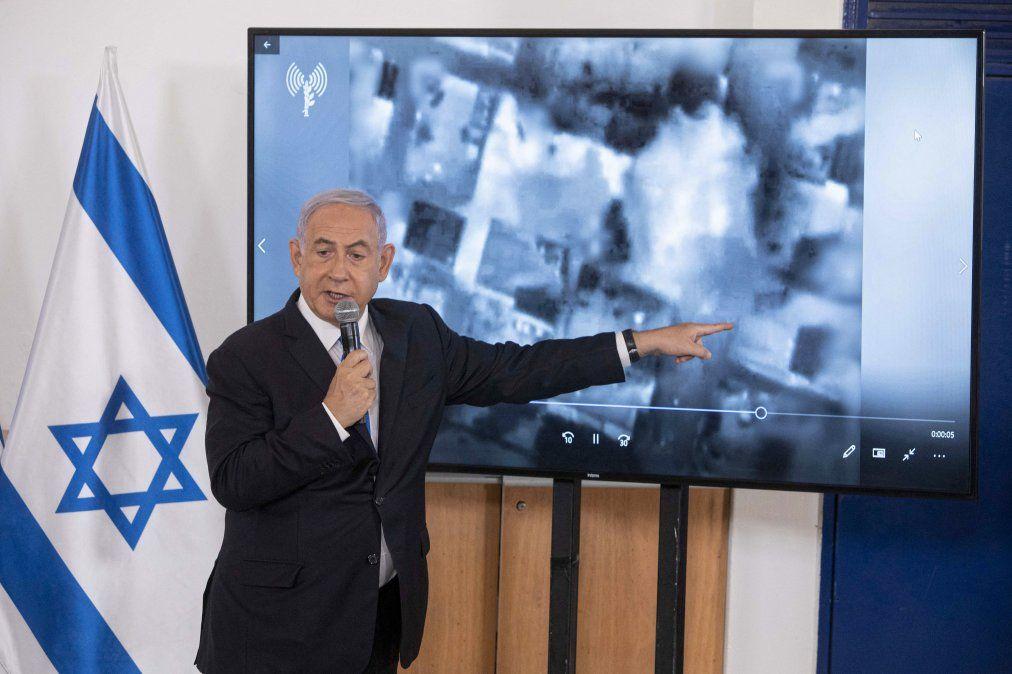 En una base militar israelí el primer ministro expuso hoy ante embajadores la situación de conflicto con Hamás