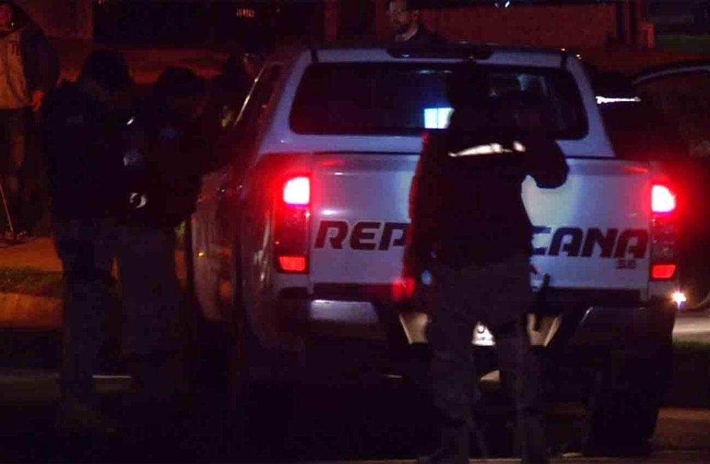 Rapiñaron a un policía y se llevaron su arma de reglamento