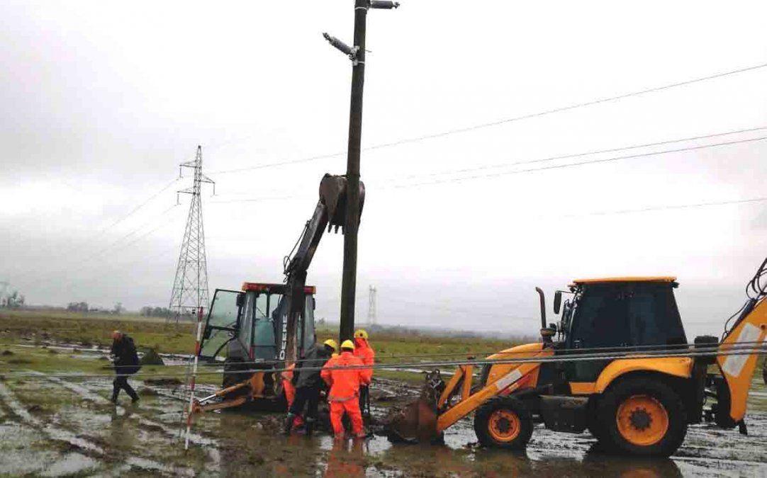 Temporal de lluvia y viento afectó a 10.000 servicios en todo el país