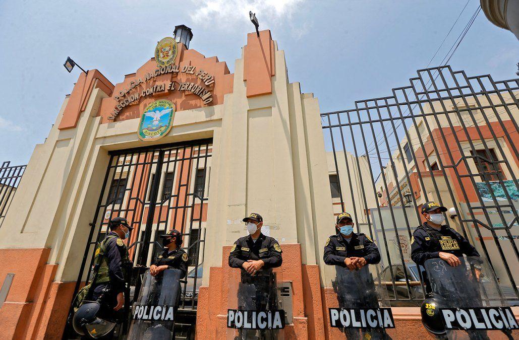 Al menos 14 muertos en ataque armado a dos bares atribuido a Sendero Luminoso