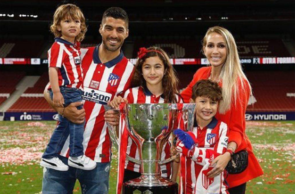Luis Suárez le dedicó el título a su familia y Sofía Balbi le respondió