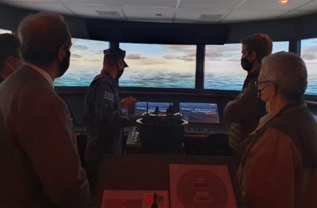 TCP, Armada y ANP realizan simulaciones de entrada de grandes barcos al Puerto de Montevideo