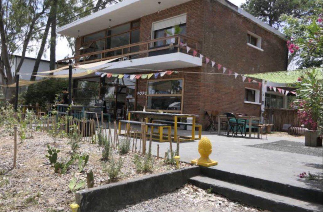 El dueño de un bar fue formalizado por siete delitos de desacato agravado