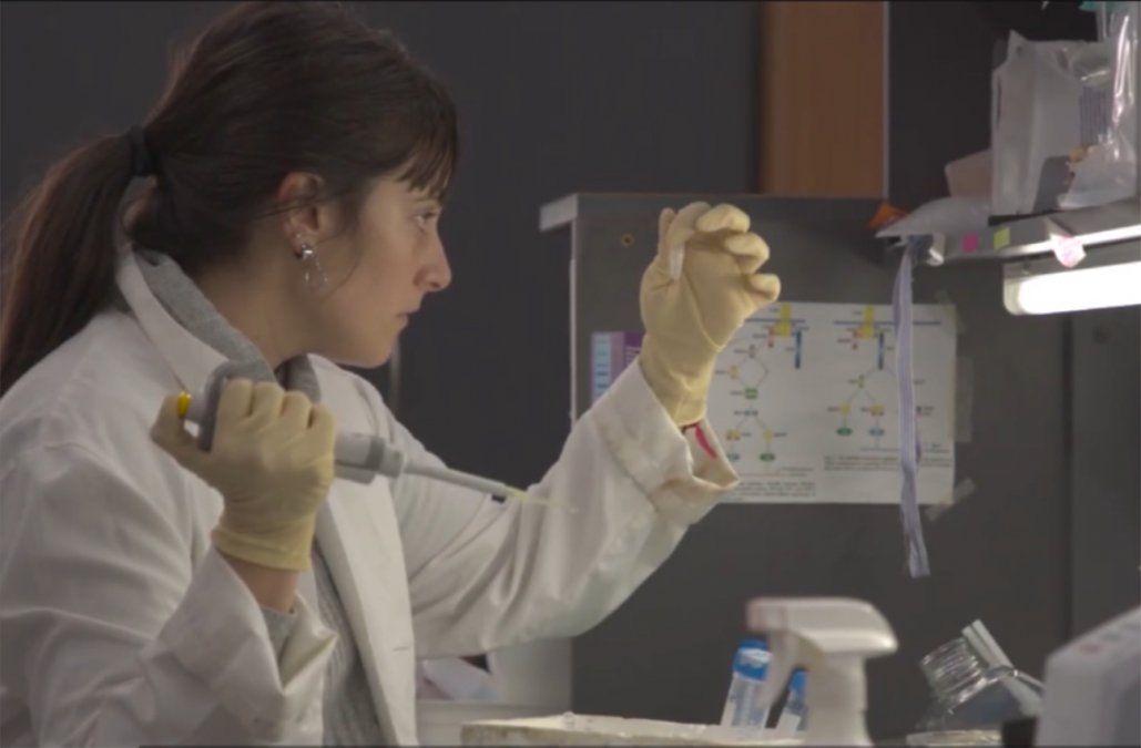 Científica del Pasteur insta a bajar la circulación del virus para evitar que siga mutando