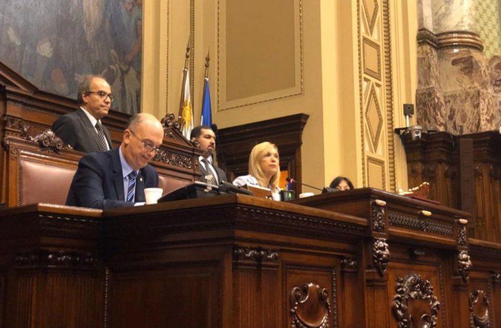 ¿Qué leen los legisladores uruguayos? En el Día del Libro responden diputados y senadores