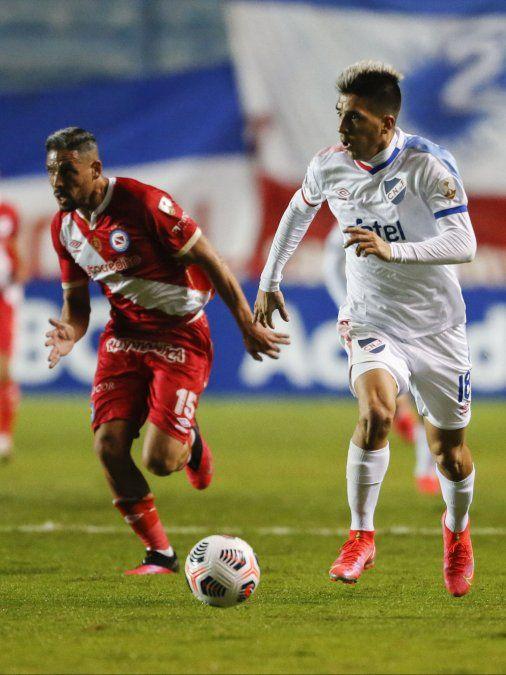 Nacional le ganó 2 a 0 a Argentinos Juniors, pero no alcanzó: quedó tercero y jugará  Sudamericana