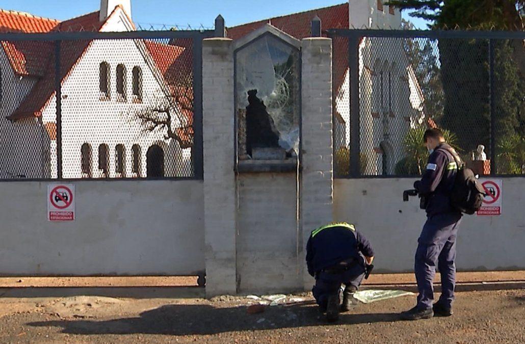 Detuvieron al ladrón de la estatua de la Virgen de Lourdes: lo ubicaron porque tenía tobillera eléctrónica