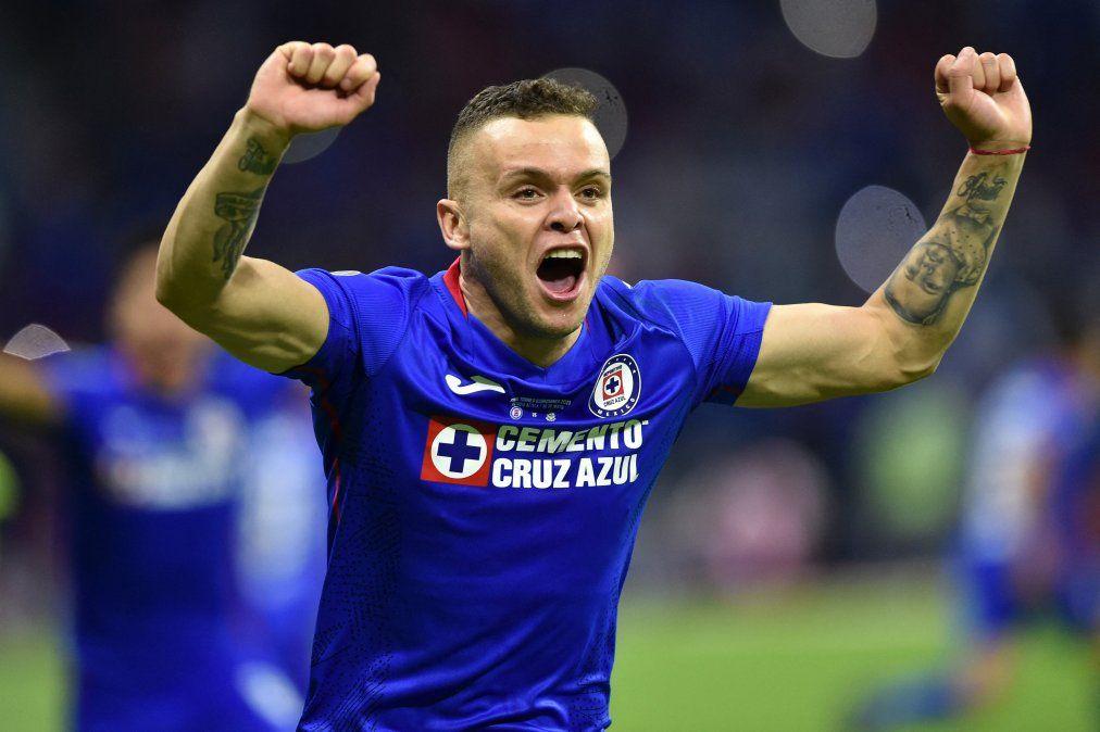 Con un Jonathan Rodríguez protagonista, Cruz Azul levanta el título de campeón en México