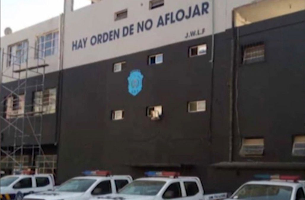 Hay orden de no aflojar, el homenaje de la Policía a Larrañaga que generó polémica