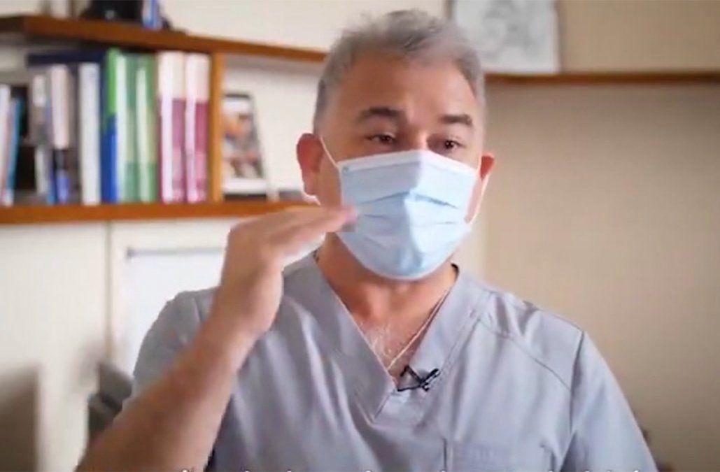 ¿Sirve usar doble tapabocas, más que uno? El infectólogo Julio Medina da su consejo