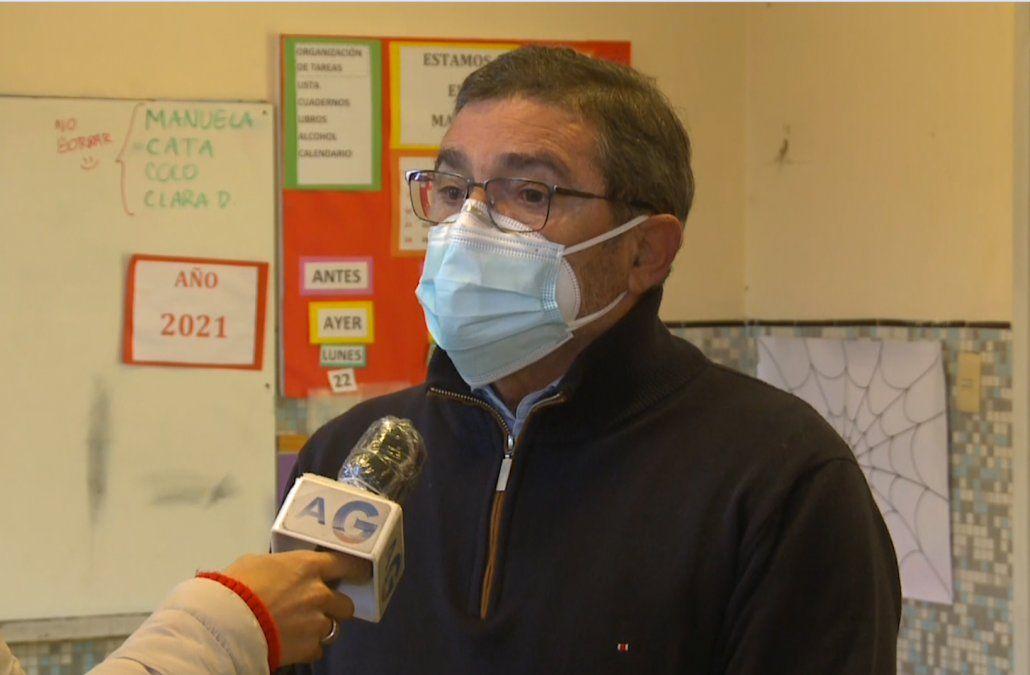 Experto en educación Pablo Cayota: los niños son los rehenes de esta pandemia