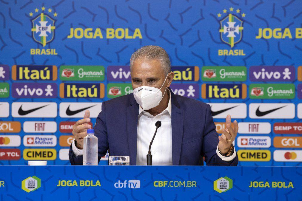 El entrenador de Brasil Tité recibió un planteo de los jugadores para no participar de la Copa América.