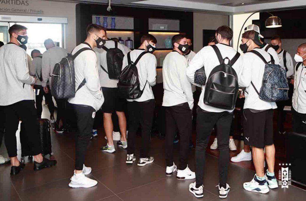 La Selección Uruguaya partió a Caracas para enfrentar a Venezuela este martes